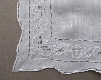Vintage Fine White Linen Handkerchief with Drawnwork and Embroidery
