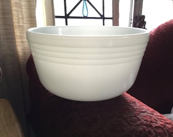 Large ribbed Pyrex Milk Glass Bowl with spout made for the vintage Hamilton Beach Mixer
