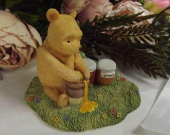 Border Fine Arts Winnie the Pooh Figurine, Vintage