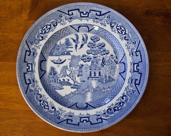 """Vintage MR Midwinter """"Willow"""" Plate"""