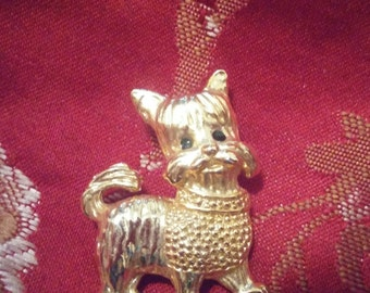 Adorable Gold Tone Yorkie Brooch Pin With Black Rhinestone Eyes