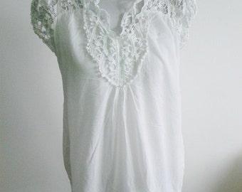 White Cotton Top, Size 8.