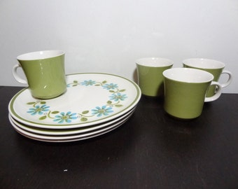 Vintage Cera-Stone Garland Dinnerware by Jonas Roberts - Snack or Luncheon Set - 4 Place Settings - Floral Daisy Design