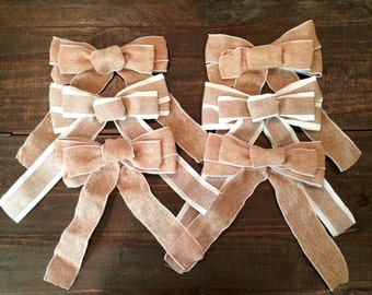 Six burlap bows