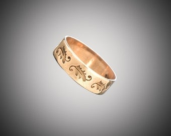 14k Victorian band with stamped design size 3 1/2