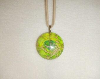 Round Green Sea Sediment Jasper pendant necklace (JO168)