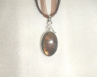 CLEARANCE - Rainbow labradorite pendant necklace set in .925 sterling silver (P051)