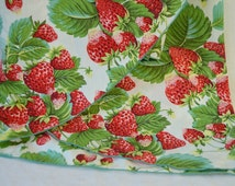 Vintage Oval Tablecloth Strawberry Fruit and Leaves, Delightful fresh colorway!