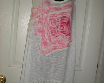 Womens T-top with vintage dollies
