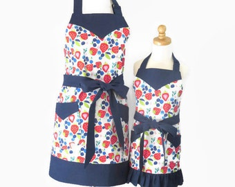 Mother and Daughter Strawberry Aprons, Mom and Daughter Matching Aprons, Strawberry Mommy and Me Aprons, Mom Apron and Matching Baby Bib