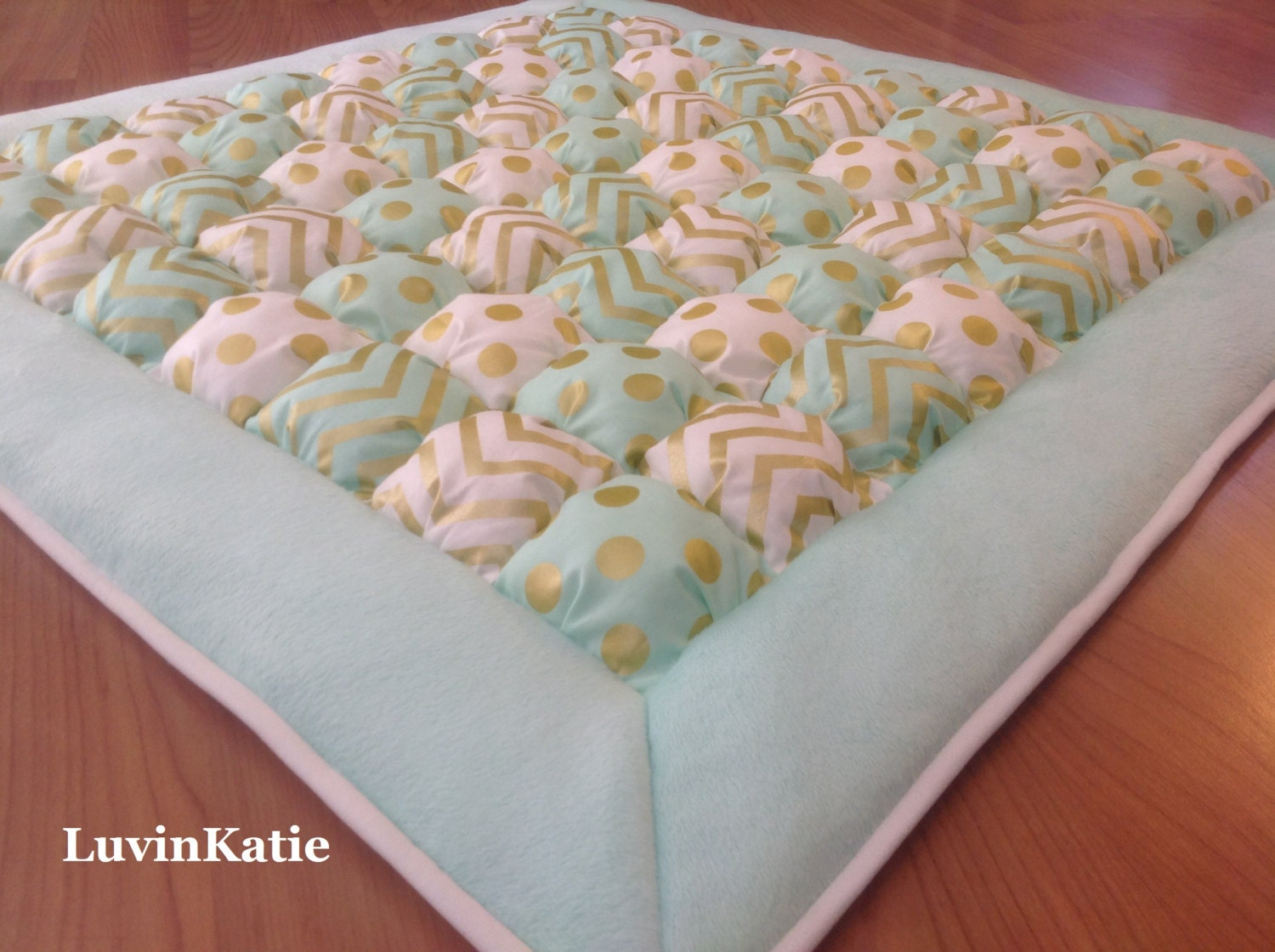 Baby bubble quilt puff quilt biscuit quilt for baby floor time for Floor quilt for babies