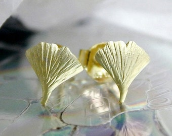 Ginkgo Leaf Studs matt 9K GOLD