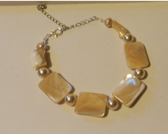 CIJ SALE Beaded Mother of Pearl bracelet  V4723