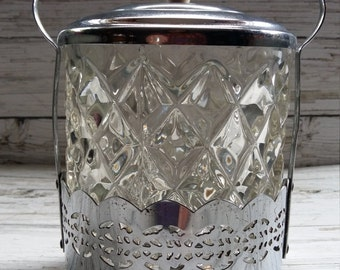Vintage 1930's Cut Glass Ice Bucket.