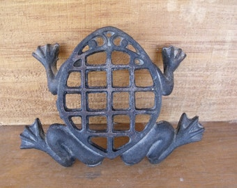 Vintage 1970s Cast Iron FROG Trivet.  Fun Whimsical Shape. No warts from this frog!
