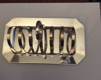 Smart EPNS toast rack, of a pleasingly large size!