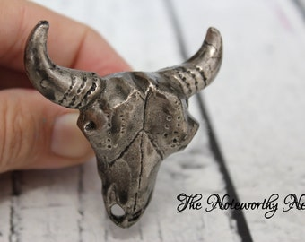 Pewter skull Knob // Decorative knobs // drawer pulls // cabinet knob // dresser knobs // unique knobs // western knob // country knob