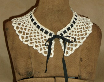 Vintage Crochet Lace Collar