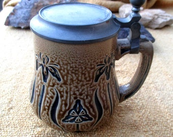 1900 French Art Nouveau beer stein / tankard / beer mug with pewter lid