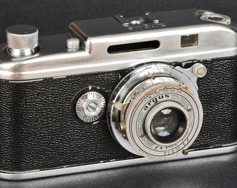 Argus 35mm Rangefinder Camera w f/4 Anastigmat Lens Collectible NiCE !