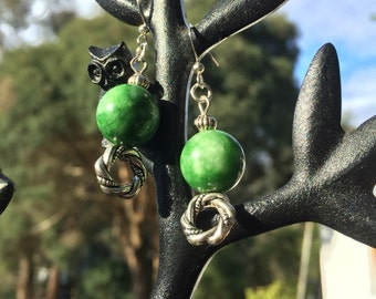 Green Jade bead 'twisted circle' Earrings