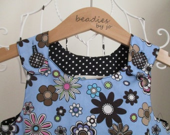 Reversible Dress, girls pinafore, blue daisy fabric, shift dress, 2 in 1, chintzy, funky, floral,, poplin, black polka dot