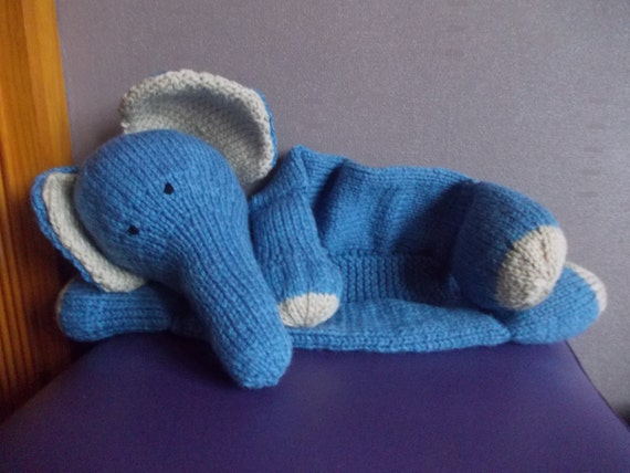 Hand knitted elephant pyjama case pyjama case hot water - Pyjama elephant ...