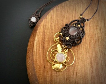 Jewelry Gold-plated with macrame, combined with two Rose Quartz and brass beads*