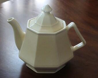 Homer Laughlin HLC124 Beige Dover Shaped Teapot!