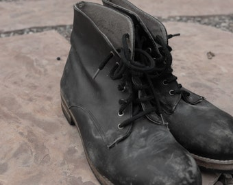 Vintage 90s Grunge BLACK LEATHER Booties