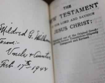 Vintage New Testament with Pictures
