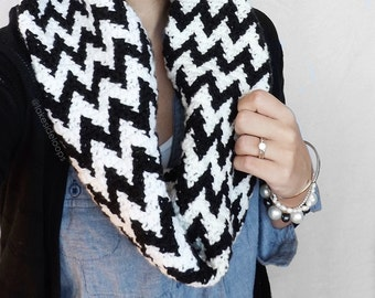 Crochet Pattern - Cooper Chevron Cowl/Scarf by Lakeside Loops (includes 12 Month to Adult sizing)