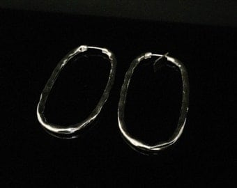 Hammered Oval Silver Hoop Earrings - 925 Sterling Silver - High Polished Finish -- Silver Earrings
