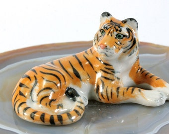 Tiger - handpainted porcelain figurine  - 4613