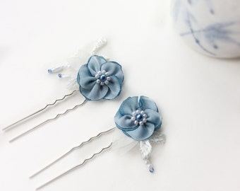 Blue wedding hairpins, can be custom made in sapphire blue, bridal Something Blue or also for Bridesmaids, or gift for brides, lace & beads