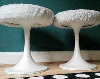 Pair of 1960s midcentury Eero Saarinen style tulip stools