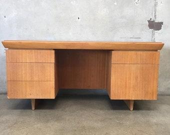 Mid Century Desk By Brown Saltman California (ZK73X7)