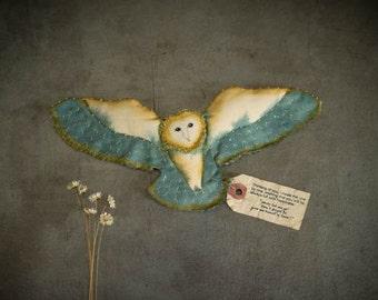 Angel owl / Alba(blue)... small owl,Paint,embroidery,barn owl,handmade,Brooch