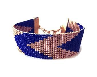 Sparkles gold blue bracelet - friendship bracelet, cuff bracelet, chevron bracelet, beadloom bracelet