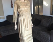 Antique Latte Tussore Silk and Lace Dress 1920s or Earlier Size M