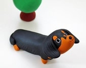 "Dachshund figurine of Ceramics ""A Dachshund of black tan"""
