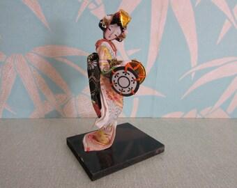 Beautiful vintage detailed Japanese Kabuki/Geisha girl statuette on stand