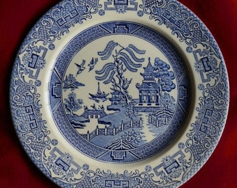 Blue and White Willow Pattern Dinner Plate EIT English Ironstone Tableware