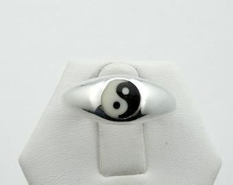 Vintage Sterling Silver and Enamel Yin Yang Ring  #YINYANG-SR1