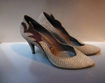weitzman white suede blk dots inlaid leather design heels stiletto shoes sz 8m
