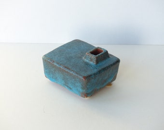 Ikebana, chimney vase, by Groeneveldt, Dutch ceramics, turquoise blue