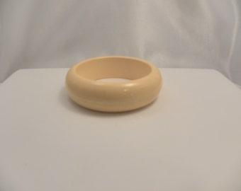 Vintage Yellow or Egg Yolk Bakelite Bangle Bracelet