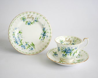 Royal Albert - Flower of the month - Tea Cup, Saucer and Plate  - July - Forget Me Not