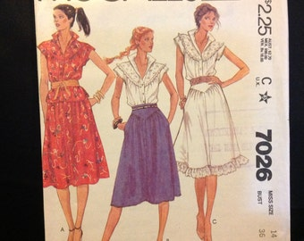 McCall's Vintage Dressmaking Pattern 7026 Size 14
