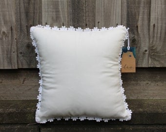 Daisy Pillow White